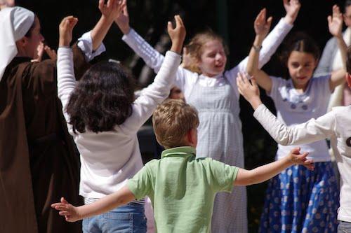 enfants dansants
